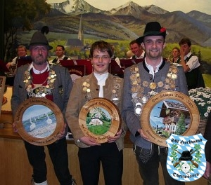 Maximilian Hamberger (mitte) am Gauball 2008 in Siegsdorf